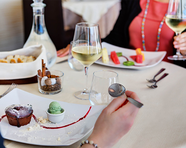 ih-restaurant-gusto-roma-z3