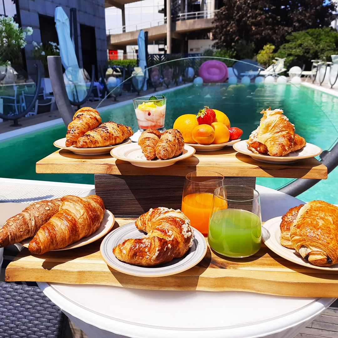 ih-hotels-milano-lorenteggio-hotel-business-international-buffet-breakfast