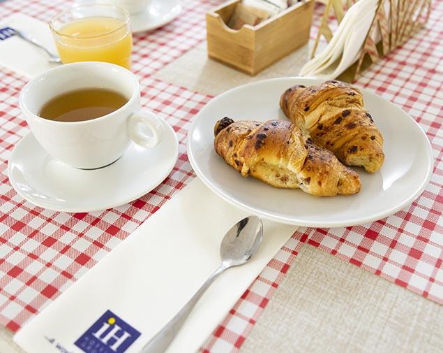ih-hotels-milano-blu-visconti-albergo-breakfast-colazione