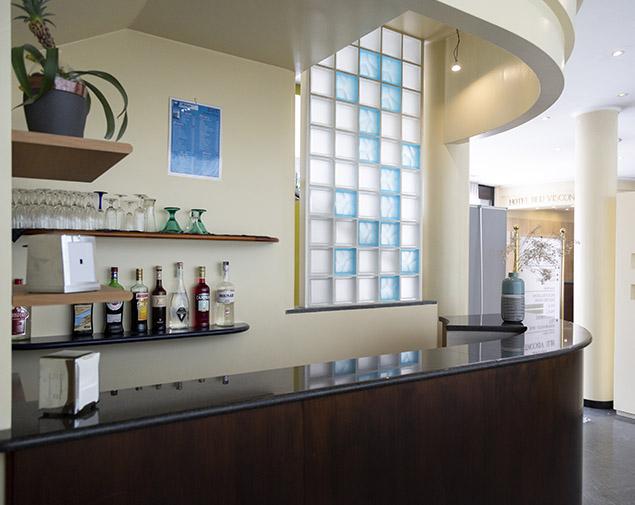 ih-hotels-milano-blu-visconti-lounge-bar-hall