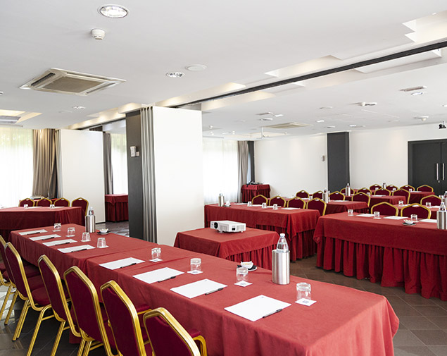 ih-hotels-bologna-amadeus-albergo-sala-meeting-claudio