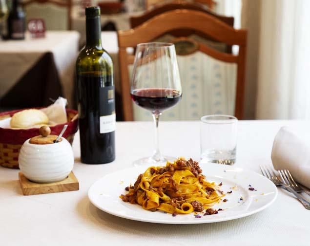 ih-hotels-bologna-amadeus-albergo-4-stelle-ristorante-il-pavaglione