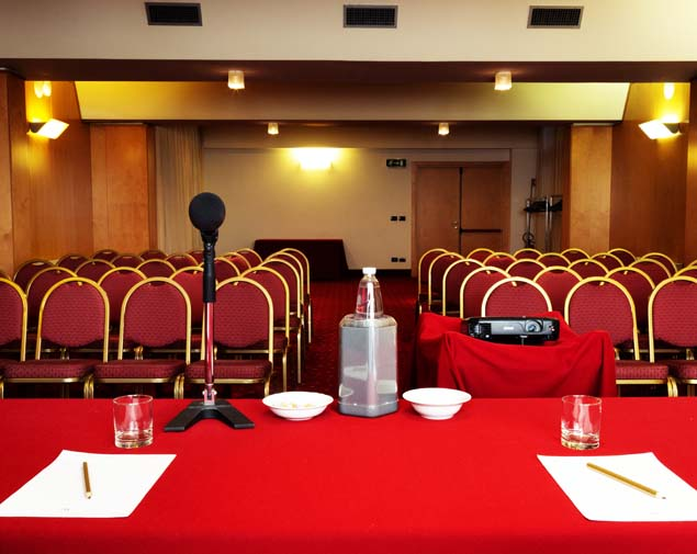 ih-hotels-bologna-gate7-albergo-4-stelle-bologna-sala-meeting