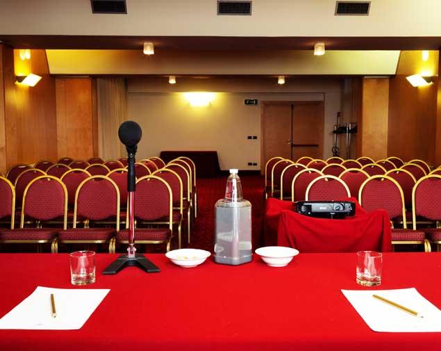 ih-hotels-bologna-gate7-sala-meeting-emilia