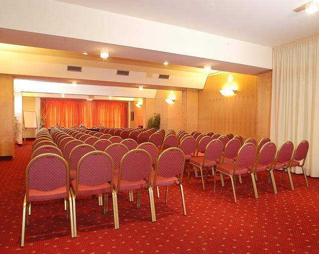ih-hotels-bologna-gate7-sala-meeting-europa