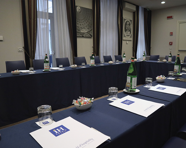 ih-hotels-roma-dei-borgia_meeting-room