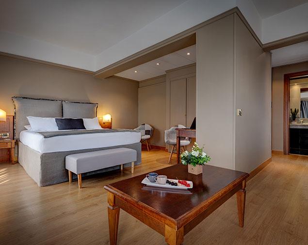 ihhotels-romaz3-room-deluxe