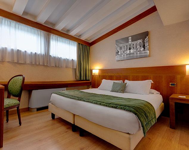 ih-hotels-roma-cicerone-camera-economy