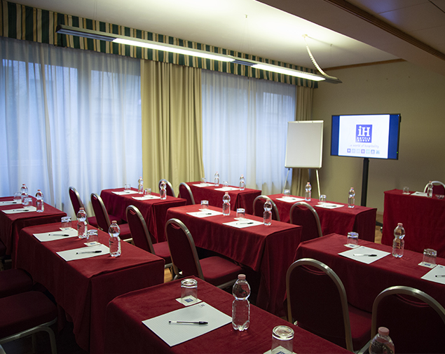 iH-Hotels-Roma-Cicerone-Meeting-Room-Sala-Superior