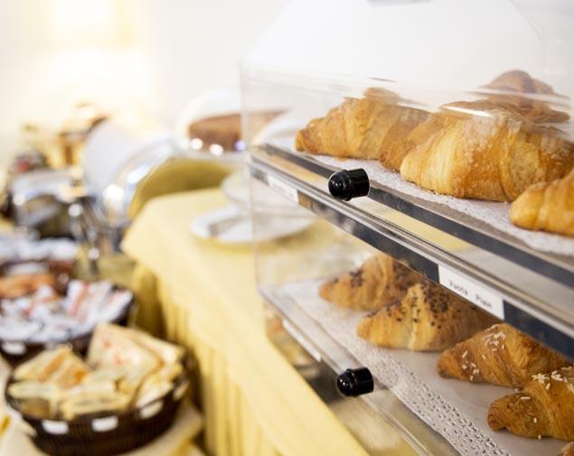 ih-hotels-milano-eur-trezzano-breakfast