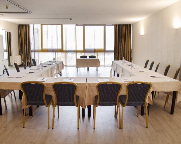 ih-hotels-milano-eur-trezzano-sala-meeting