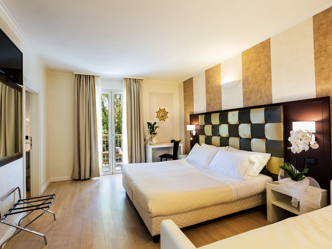 ih-hotels-forte-dei-marmi-logos-camera comfort