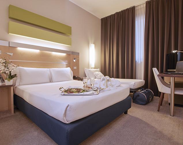 ih hotels milano gioia albergo 4 stelle milano centrale camera standard con sofa bed