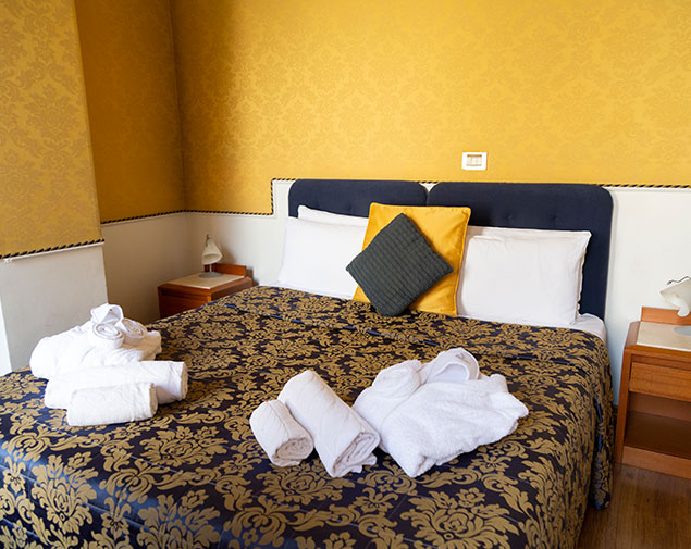 ih-hotels-piazzadispagnaview-guesthouse-roma-camera-classic
