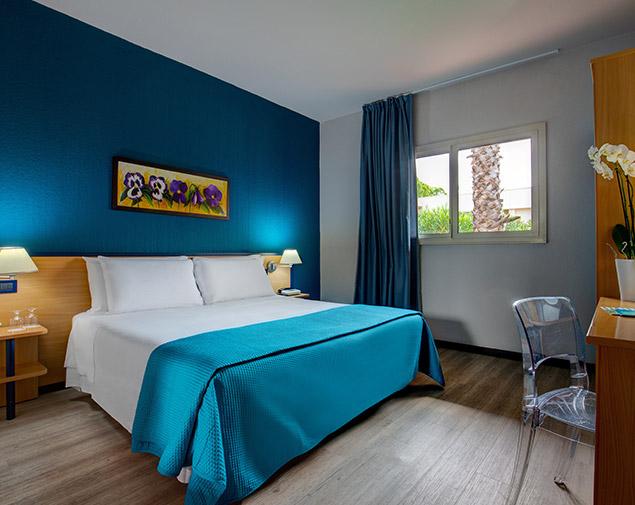 ih-hotels-milano-ambasciatori-albergo-milano-centro-camera-standard
